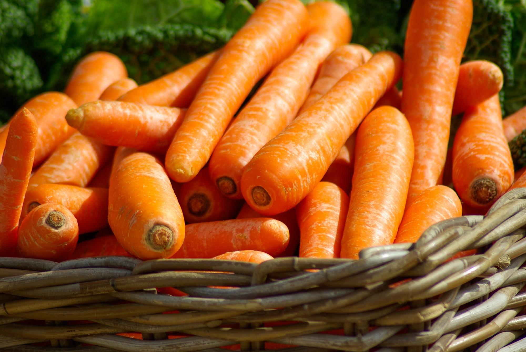 do carrots help your eyesight?