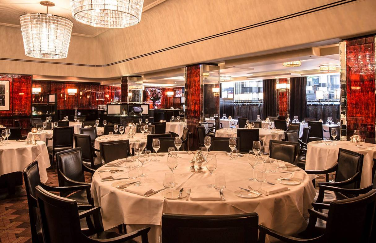 Nothing quite tops fine dining at the Savoy Grill (Credit: Gordon Ramsay Restaurants)