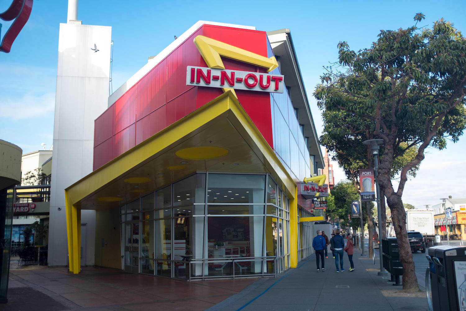 How much do In-N-Out managers make