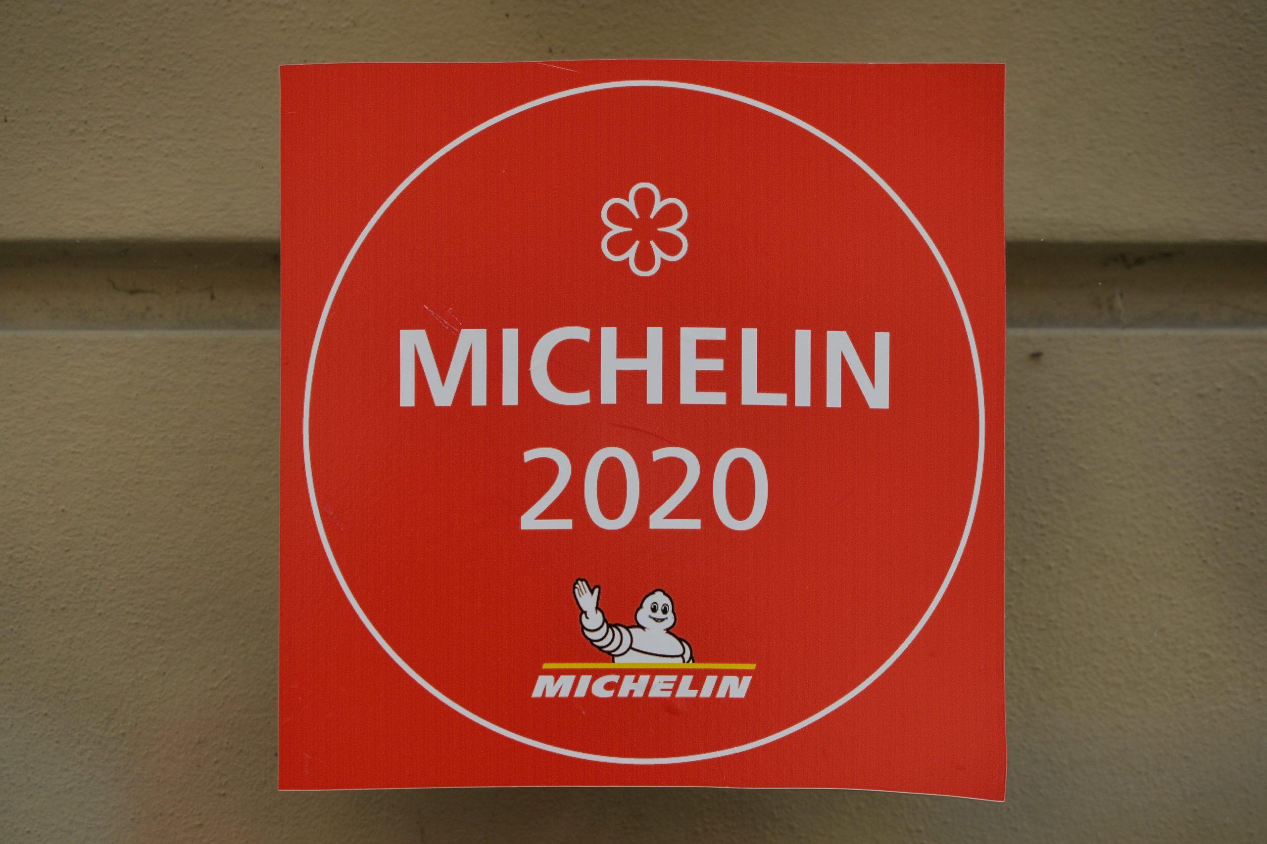 Who lost Michelin stars in 2021?