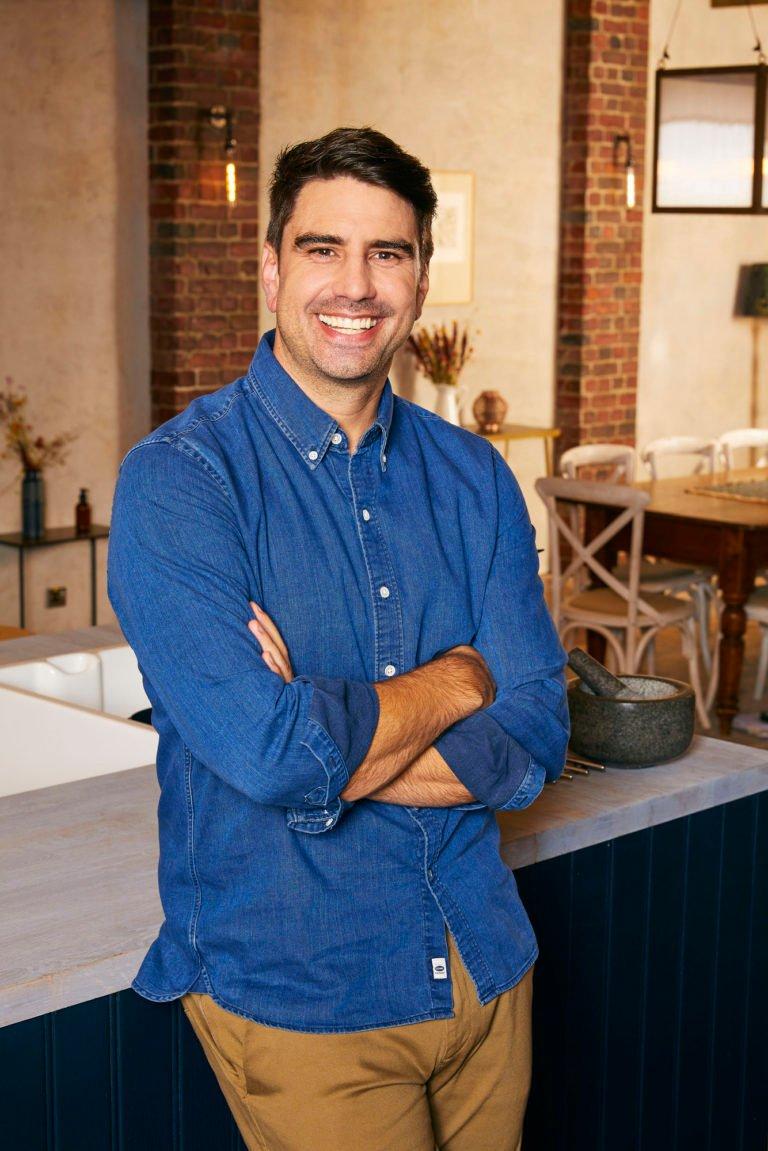 is Chris Bavin a chef
