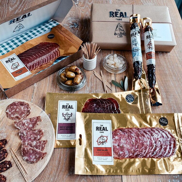 Charcuterie box Valentine's Day food gift ideas