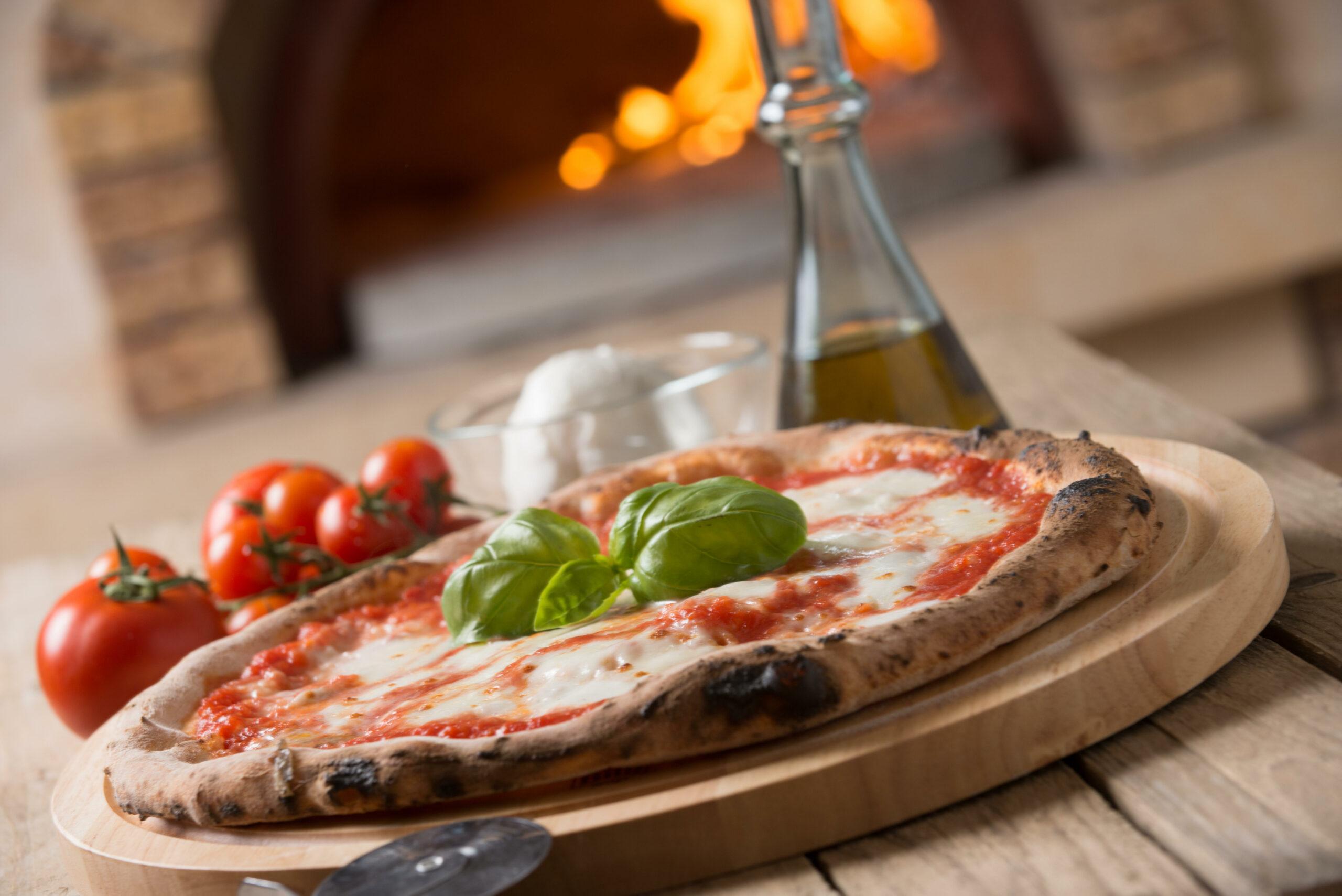 making Italian pizza