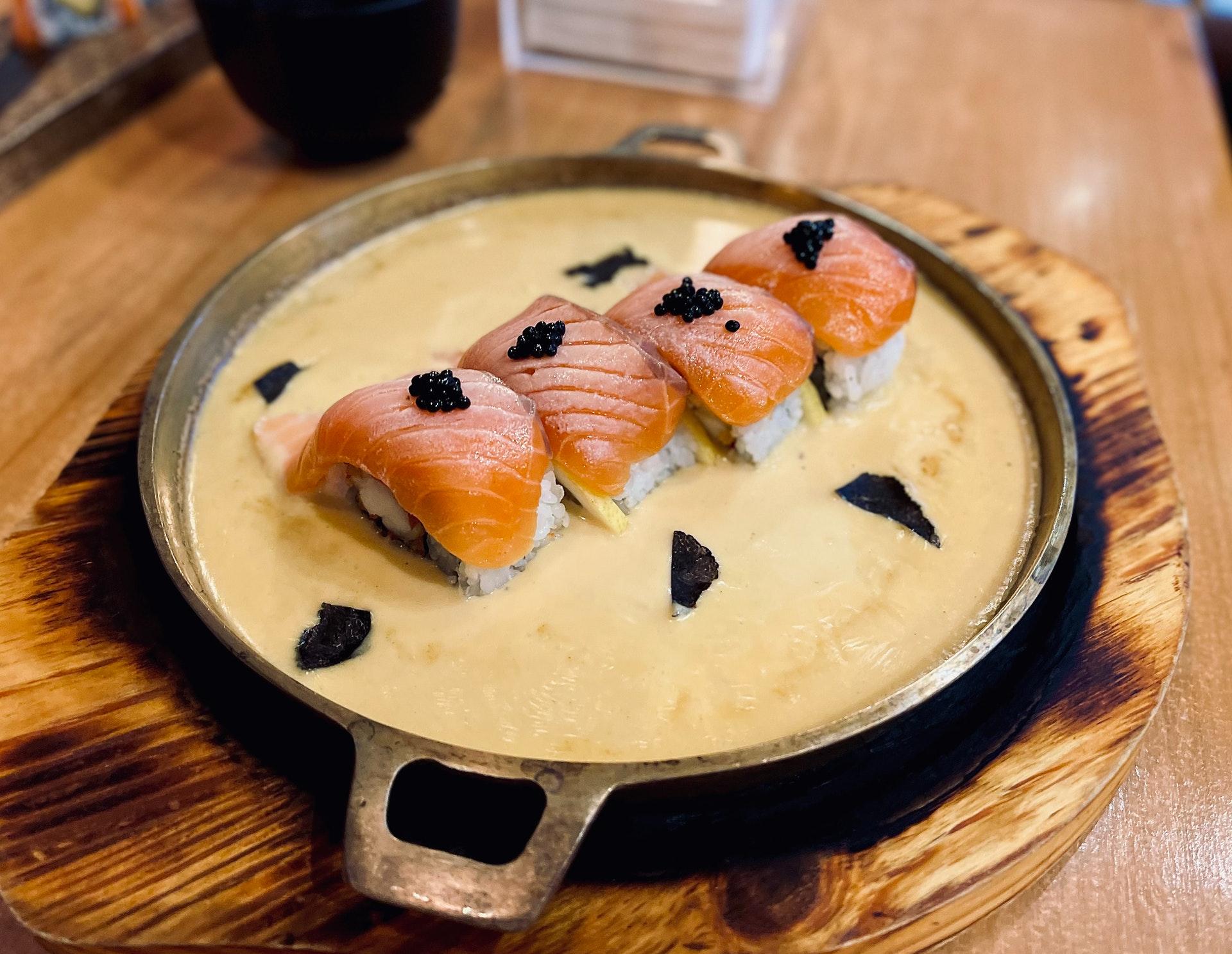 free sushi Taiwan salmon