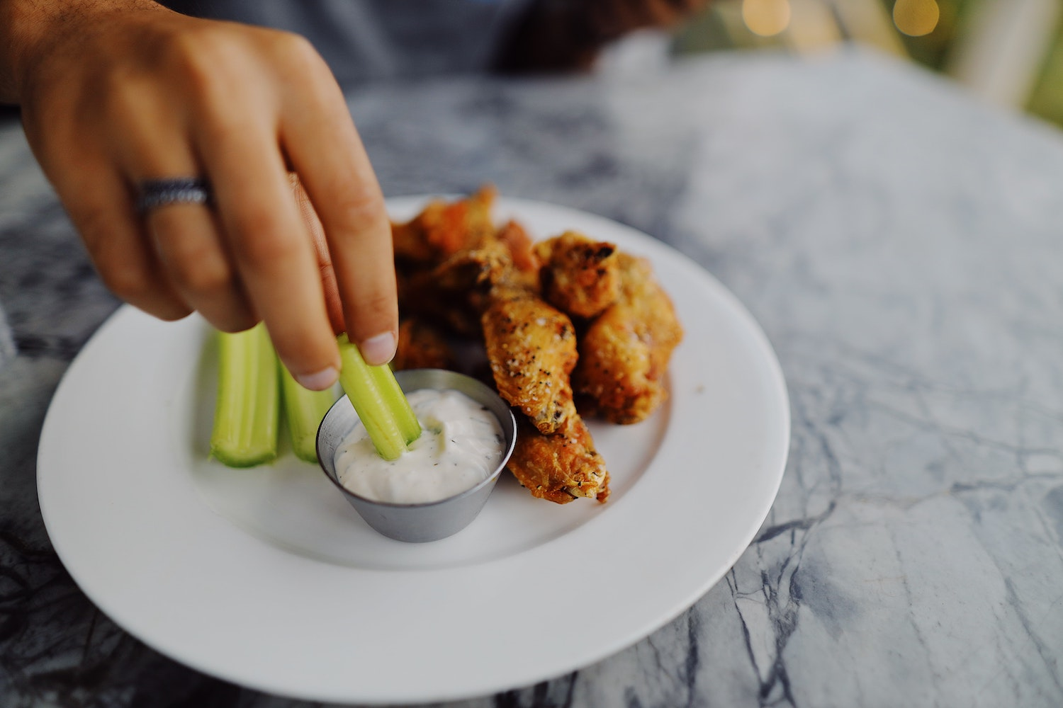 how to cook chicken wings (Credit: Pexels)