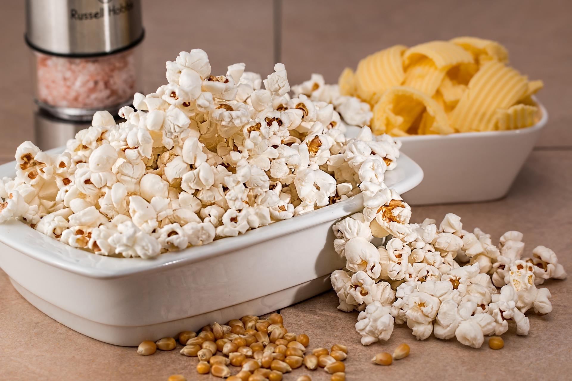 Popcorn crisps