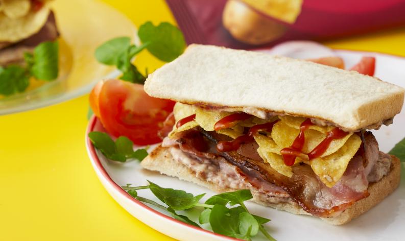 bacon sarnie crisp sandwich